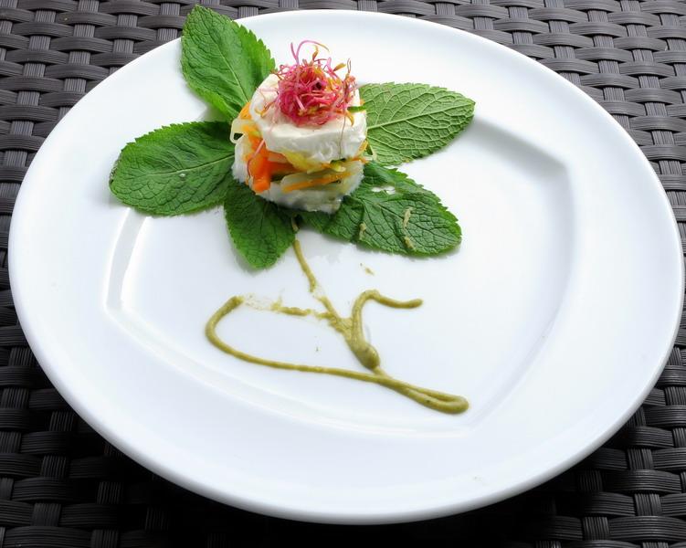 un piatto di Lino Scarallo, lasagnetta di ortaggi con mozzarella di bufala